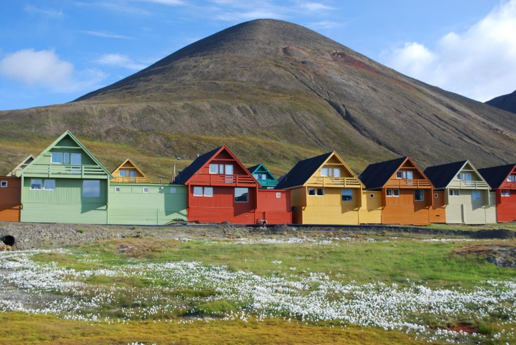 Longyearbyen - brightness in austerity