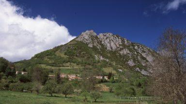 Approaching Montségur