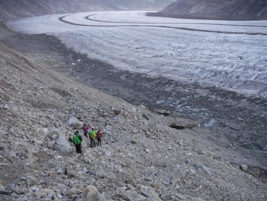15 Second Day Started With A Descent Across A Lateral Moraine Back To The Glacier