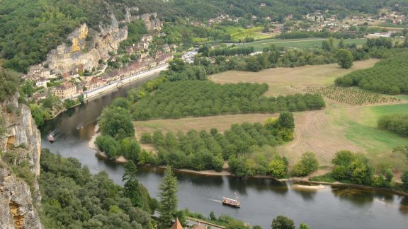 The river at la Roque-Gageac