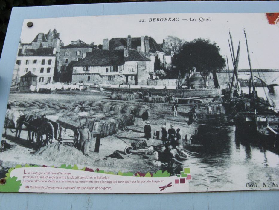 Old photo of Bergerac port