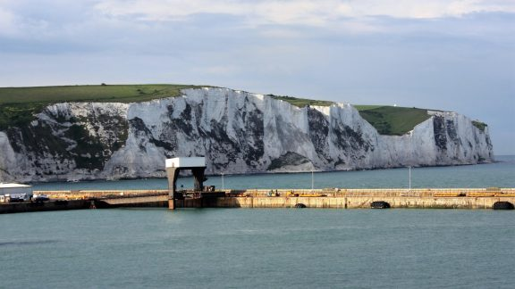 P015 White Cliffs Line Both Sides Of The English Channel