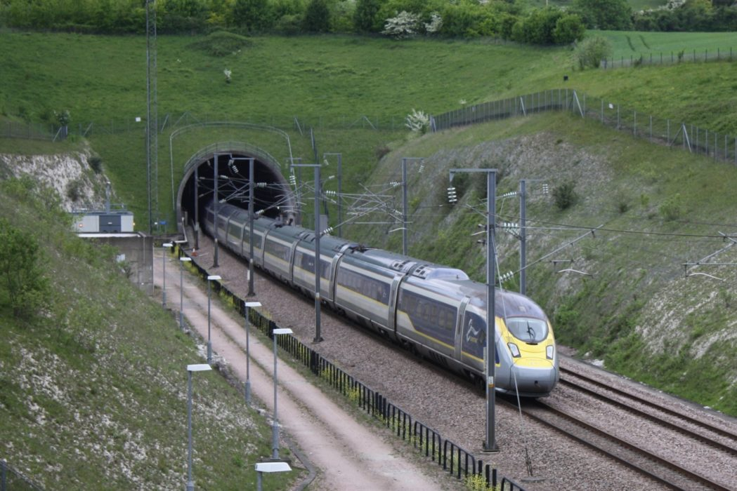 P019 Eurostar Trains Link London And Paris In Less Than Three Hours