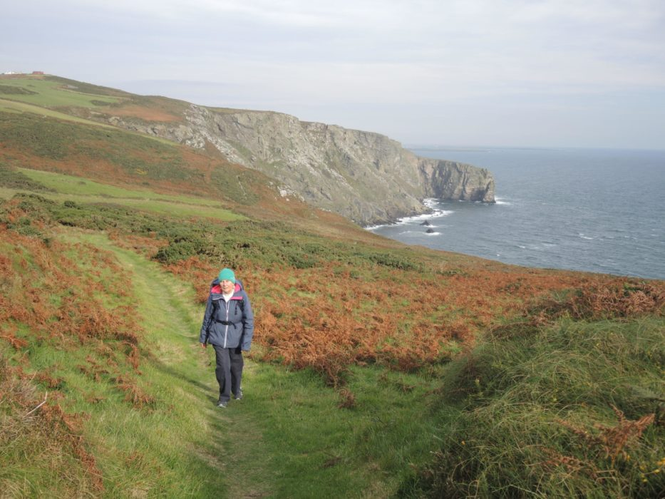 3 Lovely Green Track And Striking Cliff Scenery Above Bay Stacka