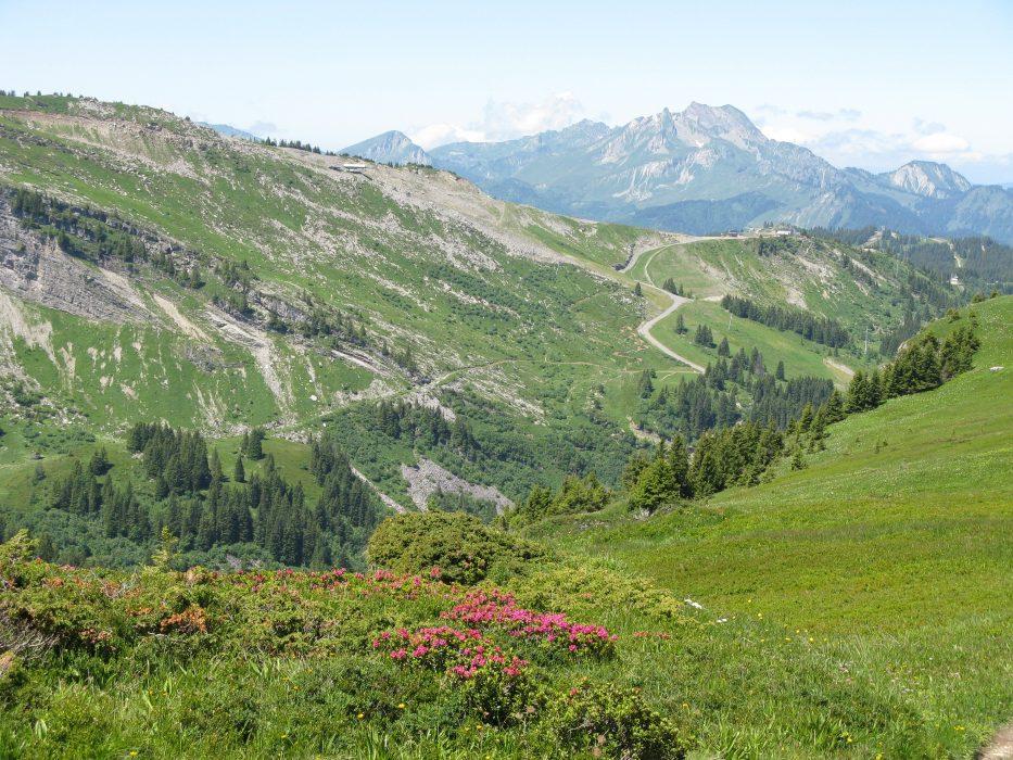 Walking up to Col de Chésery