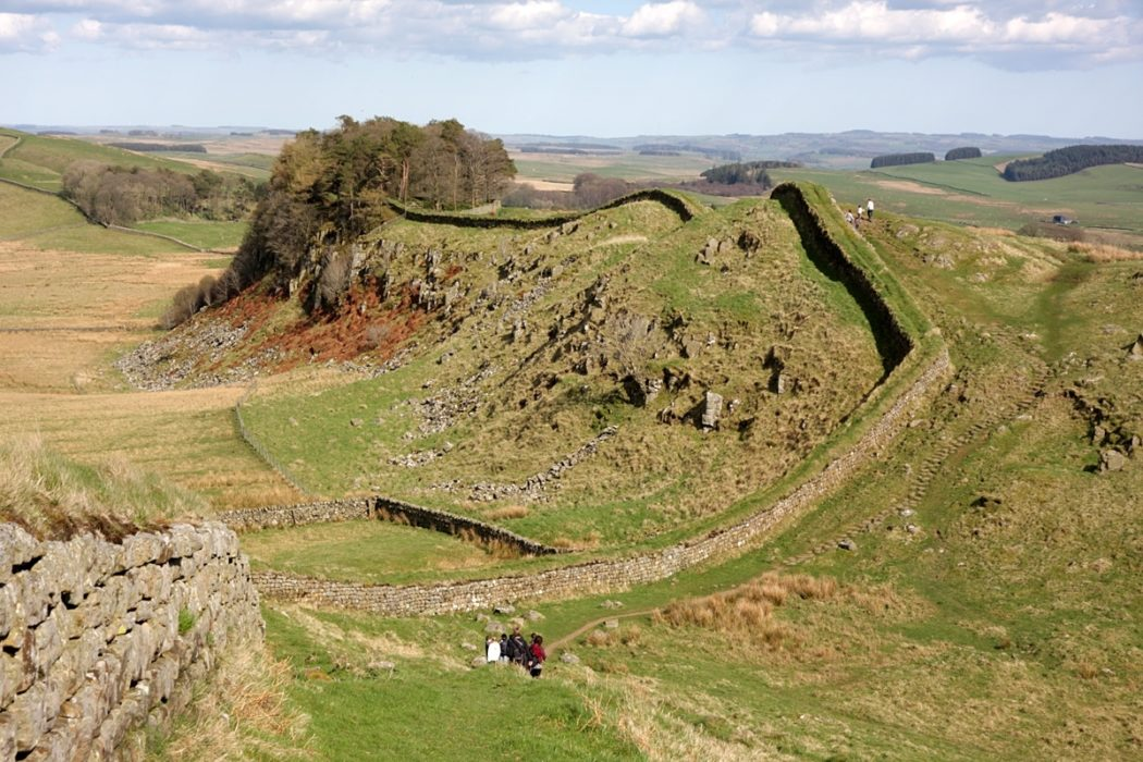 7 Hadrians Wall Follows The Crest Of The Great Whin Sills Undulating Ridge