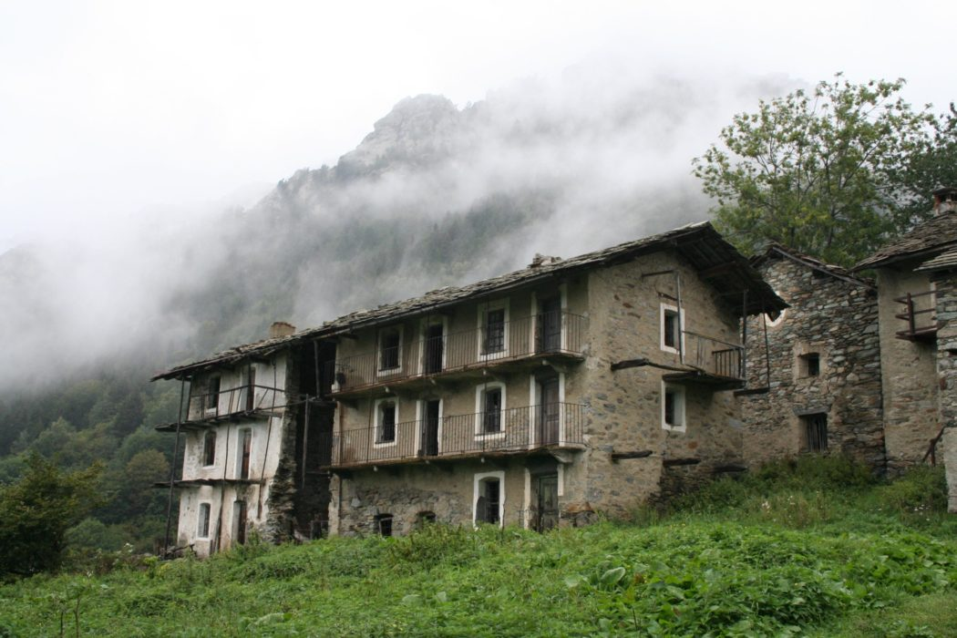 10 The Abandoned Village Of Nivolastro