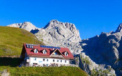 Rifugio Marinelli with Mt Coglians behind