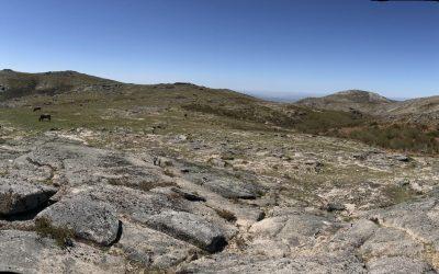 Bare granite ridge en route to Pedrada