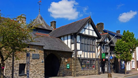 The Parliament House in Machynlleth is associated with Owain Glyndŵr.