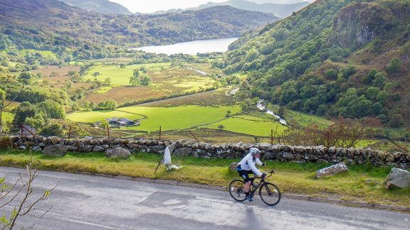 Climbing up the Nant Gwynant Pass back to the finish of the Brailsford Way 50