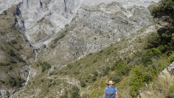 The footpath beneath La Maroma