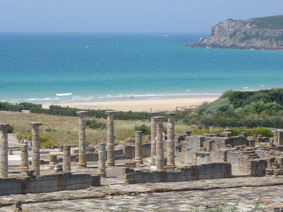 The beach and the Roman ruins of Baelo Claudio, Bolonia