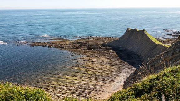 Day 6. Walking over history. Flysch layers on the way to Deba