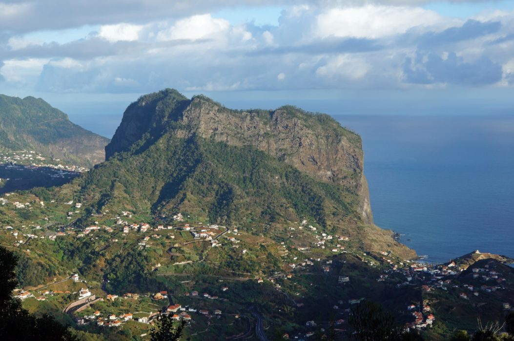 The mini-mountain of Penha d'Águia rises above the north coast