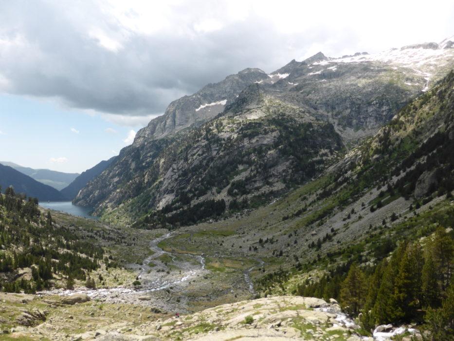 Heading up the valley towards Refugio Ventosa i Calvell