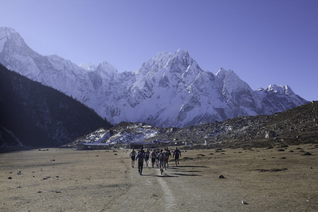 Running at altitude. Manaslu Mountain Race, Nepal Himalaya. (© Manaslutrailrace.org Photographer Richard Bull)
