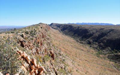 Another fabulous ridge walk, walking along the Heavitree Range to Counts Point