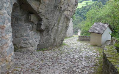 Descending from the Klöster Säben towards Klausen