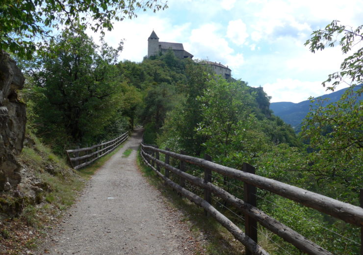 The Keschtnweg: A chestnut walk in northern Italy