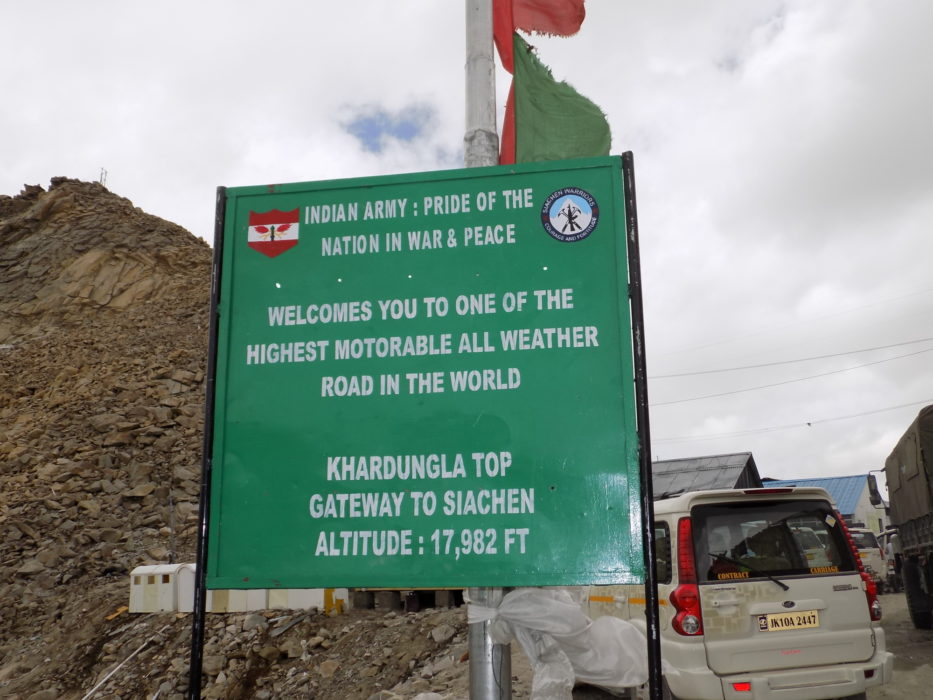 4 A Welcome To The Khardung La Pass
