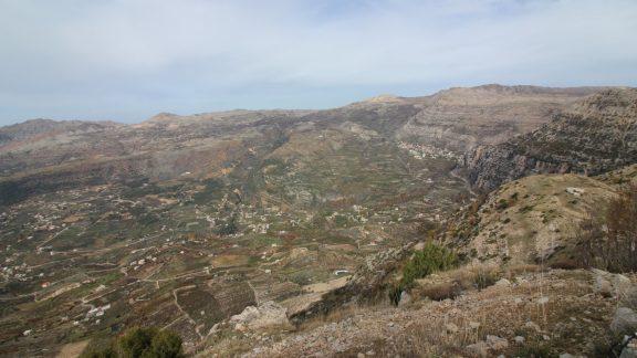 Extensive vistas en route to Afqa