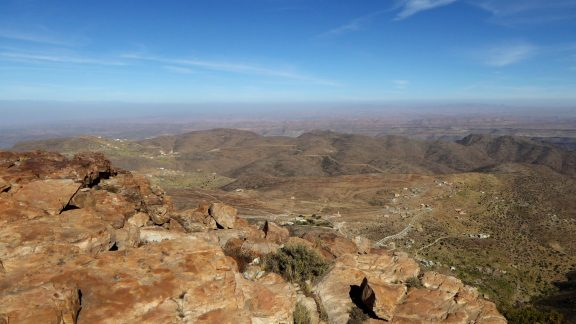 The bare and sparse Taskra plateau lies ahead and will take 3 hours to cross, always in the direction of the distant Jebel El Kest. A short detour to the east at lunchtime provides superb views over the desert.