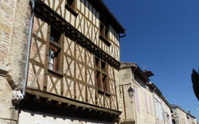 08 Half-timbered houses in Marmande