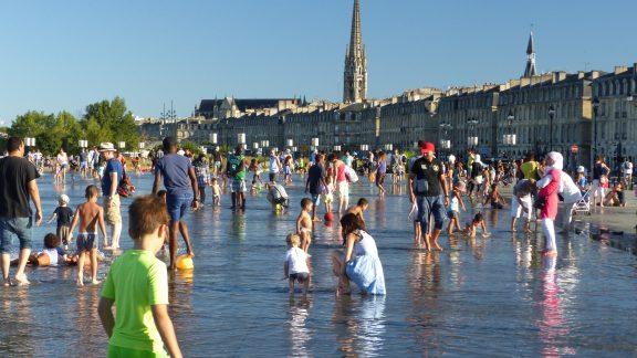 03 Le Miroir d'Eau - the world's largest water mirror in Bordeaux