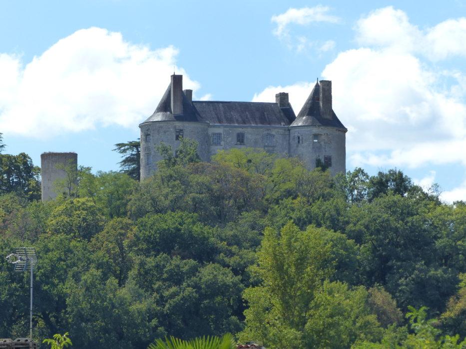 09 Buzet chateau