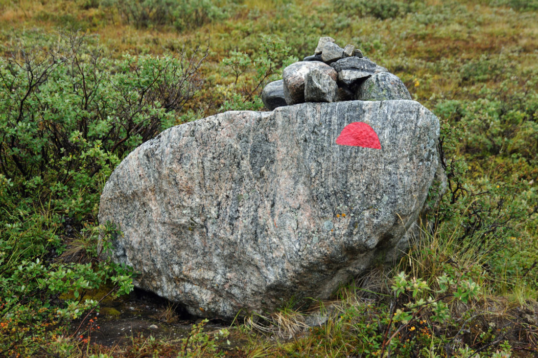 03 Standard Arctic Circle Trail markers – cairns and red semi-circular paint marks