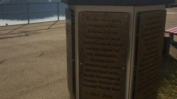 006 Memorial to the Passeurs, Lac du Joux