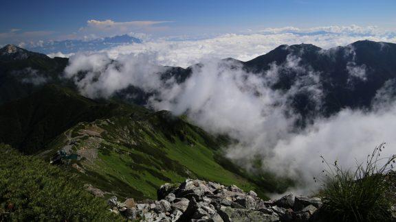 Kitadake12 Rising cloud begins to encroach on the summit ridge