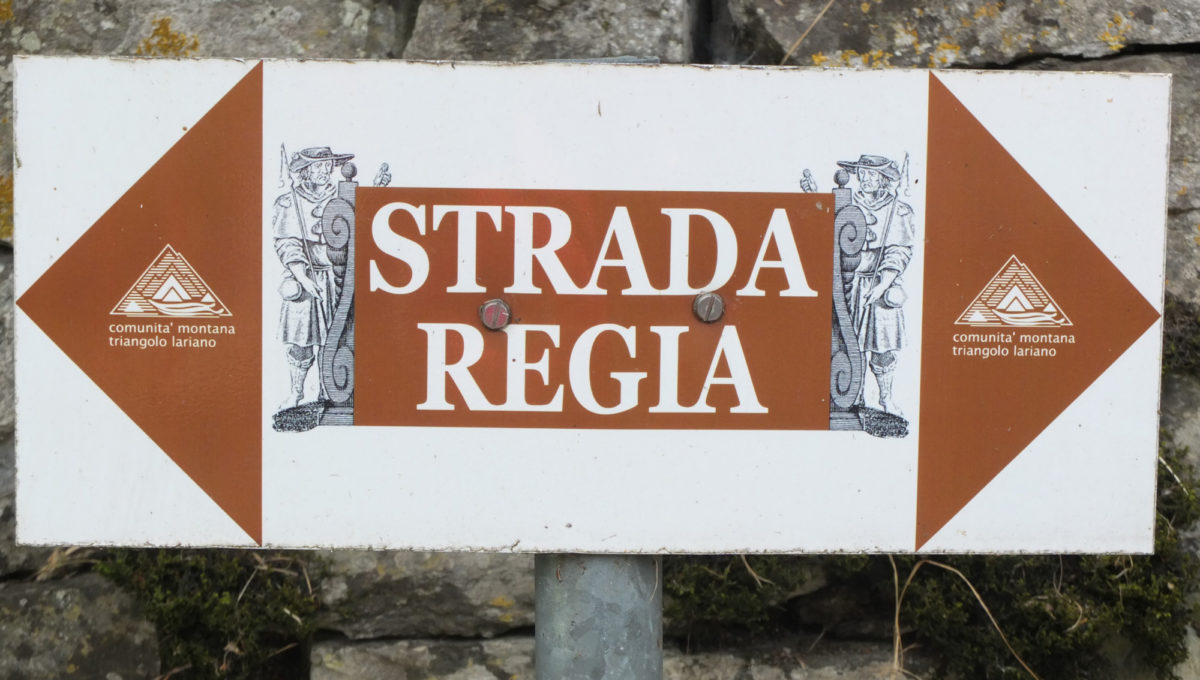 Pic14 The Strada Regia Is Well Signed
