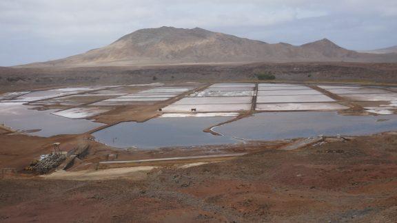 1-02 The salt pans on Sal island, inside an extinct caldera