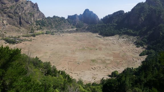4-19 The former crater at Cova de Paul is one of the most verdant places in Cape Verde