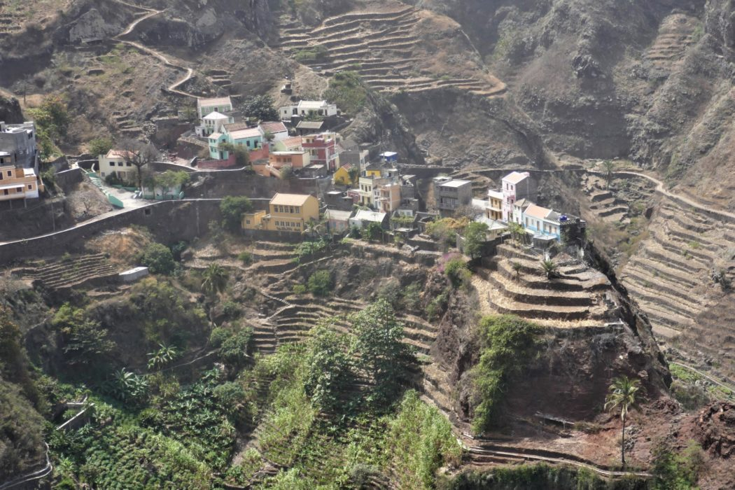 4-14 Fontainhas village on Santo Antao perched on a ridge between two ribeiras