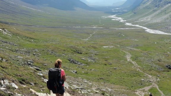 10 The view south along the Tjäktjavagge glacial valley.