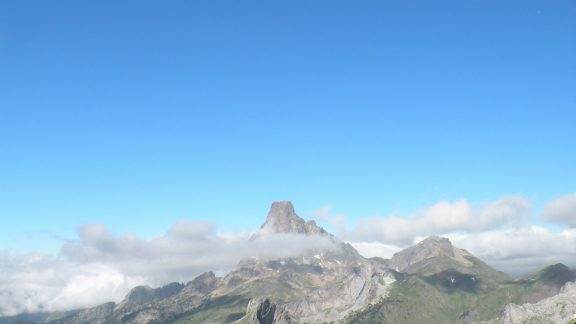 Catching the first glimpse of the Pic du Midi d'Ossau