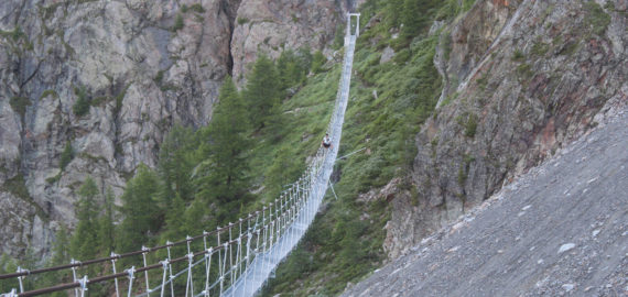 A sensational finish along the old Europaweg bridge