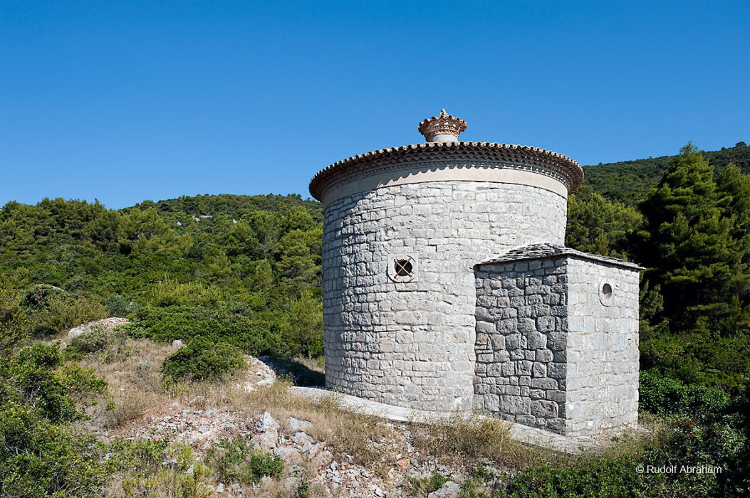 Gospa od Planice, a small 11th century church built by the Knights Templar, on the island of Vis, Croatia © Rudolf Abraham