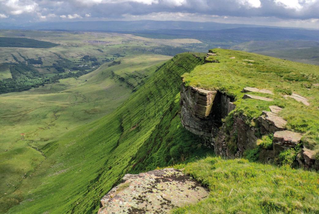 Towards Glyntawe from Fan Hir