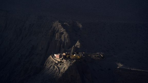 A gompa catching the last sunrays of the day