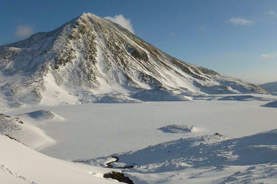 Winter in Coire an Lochain