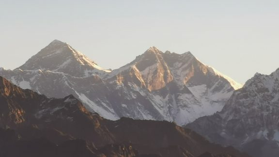 Testing out the zoom on my phone to get a closer look at Everest