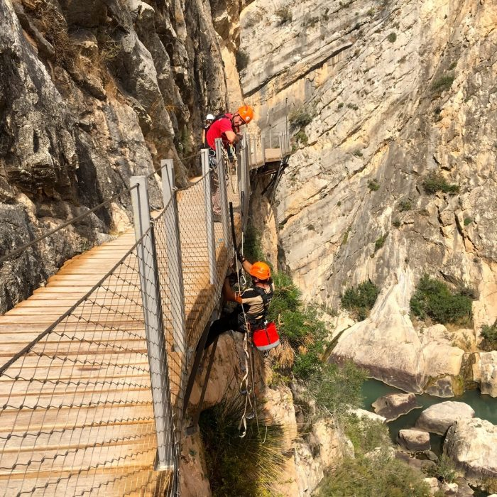Skilled Climbers Maintain The  Caminito Structure