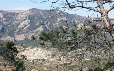 Mountain Walking In  Southern  Catalunya
