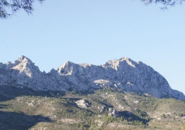 Scrambling in solitude on the Costa Blanca