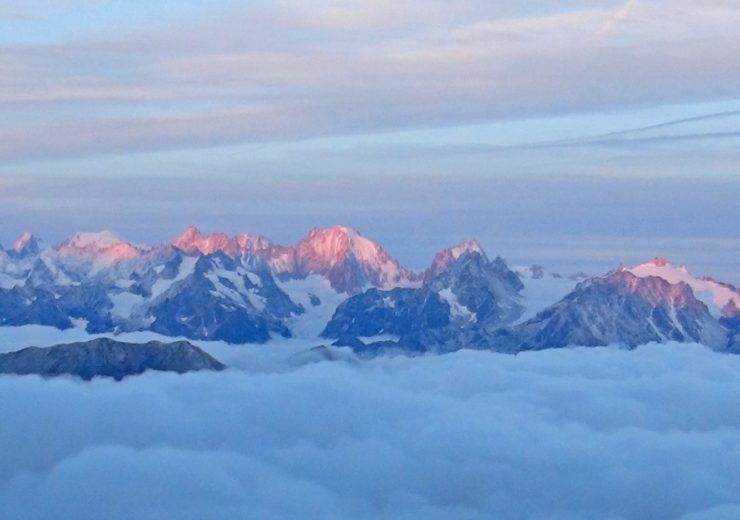 Can I go walking in Switzerland? Walking and trekking summer 2020