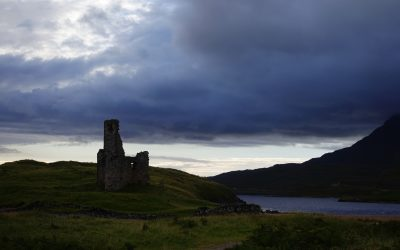 Ardvreck Castle on the shores of Loch Assint